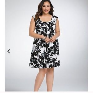 Torrid Floral Textured Skater Dress, Size 3XL